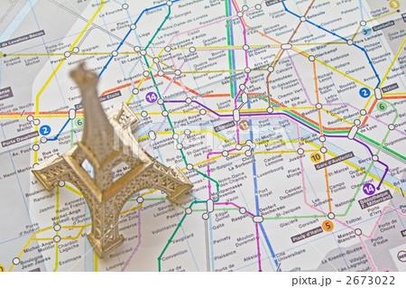 パリ 地図 エッフェル塔 Parisの写真素材 Pixta