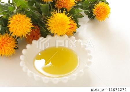 サフラワーオイル 紅花油の写真...