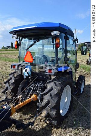 機械 畑 耕す